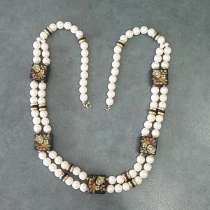 Necklace pearls and black square beads flowers